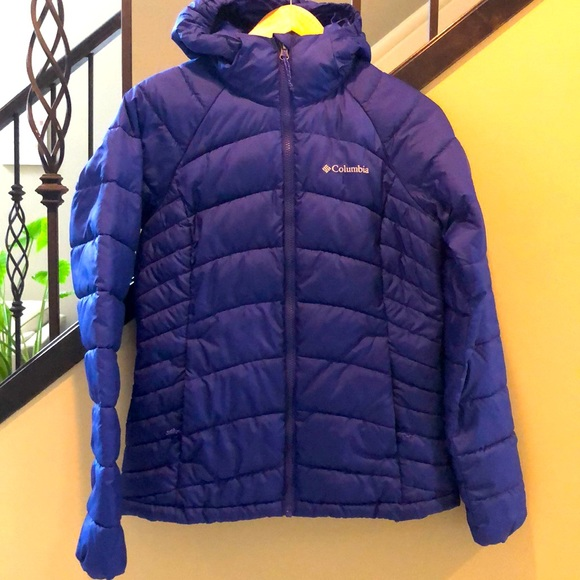 Columbia small puffer with hood EUC
